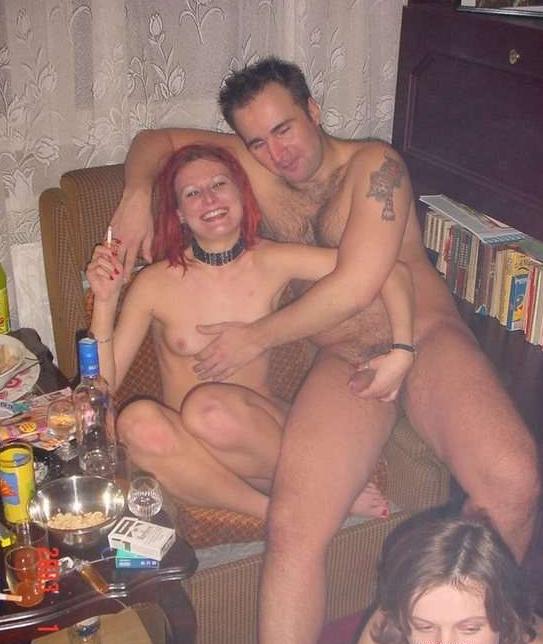 Люблю смотреть порно студентов, обычно это групповые оргии в одной из комна