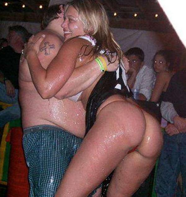 приколы про пьяных голых телок